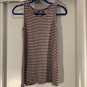 Juniors swing tank top with keyhole back